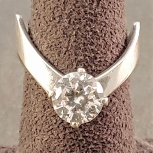 Jewelry - Sterling Silver Round CZ Art Design Ring Band